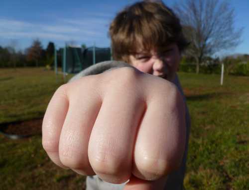 Aggression bei Kindern: Wenn das Kind haut, beißt, schlägt