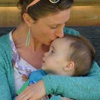 Gelungene Kommunikation mit Kindern - Berührungen helfen dabei